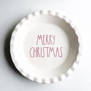 ✨ NWT Merry Christmas Pie Plate   Rae Dunn